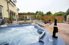 Enjoy a week of luxury at this gorgeous holiday cottage with hot tub in Cornwall.