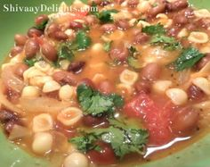 Talk about a 'good-for-you' soup --- Cannellini Beans and Pasta Shells Soup