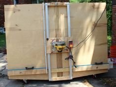 This is a diy panel saw that I built myself. It was similar to one I saw in ShopNotes years ago. Uses 80 / 20 aluminum rails, and includes lumber storage.