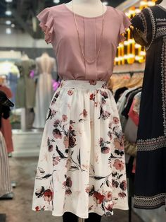 60 top looks outfit ideas with blazer you have to try 25 Source by ideas faldas Modest Outfits, Skirt Outfits, Modest Fashion, Dress Skirt, Casual Outfits, Fashion Dresses, Dress Up, Cute Outfits, Romantic Style Fashion