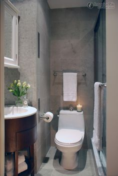 Rectangular small bathroom decoration picture