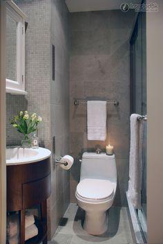 Rectangular small bathroom decoration picture
