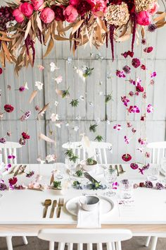 Colorful hanging table decor for a Modern + Chic Boho Fall Wedding Inspiration Fall Wedding Colors, Wedding Reception Decorations, Wedding Centerpieces, Wedding Table, Wedding Banners, Trendy Wedding, Boho Wedding, Dream Wedding, Wedding Flowers