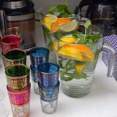 biologische limonade en thee, probeer ze eens, ze zijn super lekker #hightea #workshop #kiekelechique