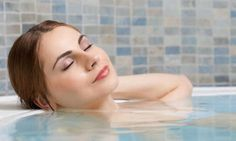 Can taking a relaxing bath really help you lose weight? According to some sources, it can. Epsom salt, widely known for its use with muscle soreness and pain, could assist you to lose some unwanted weight. Scientifically referred to as magnesium sulfate heptahydrate, Epsom salt has numerous health and cosmetic benefits. By helping you detoxify