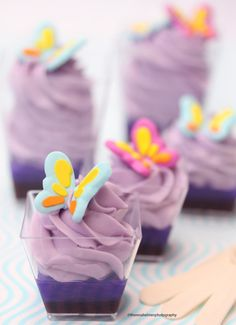 Dessert Shooters, Dessert Cups, Purple Sweet 16, Pastel Purple, Candy Recipes, Vegan Recipes, Recipe D, Mini Cheesecakes, Candy Table