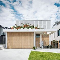 I LOVE this house Coogee House II by Madeleine Blanchfield Architects. Facade Design, Exterior Design, House Design, Architecture Awards, Modern Architecture, Australian Architecture, Modern House Facades, Dream House Exterior, The Design Files