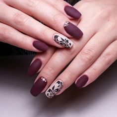 Діалоги Plum Nails, Gel Nails, Gorgeous Nails, Pretty Nails, Amazing Nails, French Tip Design, Fingernail Designs, Nail Design Video, Burgundy And Gold