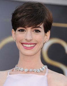Anne Hathaway in Tiffany & Co.