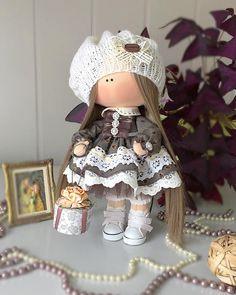 Я думаю Вы не будете против, если я покажу девчушку немножко с другого ракурса Но кокетка прям, не правда ли...#kamchatka #handmade_bestwork #handmade #dolls #кукла #камчатка #кукланазаказ #кукольныймир #куклавподарок #тильда #текстиль #текстильнаякукла #куклаизтекстиля #подарокдлядевочки #подарокдлядевушки #интерьер #инстаграм #декор#девочки #кукларучнойработы #сделанослюбовью#интерьерныекуклы #интерьернаякукла#ярмаркакукол#миркукол#инстаграмроссии#handmadedoll#instadoll #instagramruss...