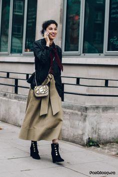 London Fashion Week весна-лето 2017 - street style
