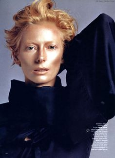 Tilda Swinton by Inez van Lamsweerde and Vinoodh Matadin Michael Clayton, Pose, Celebrity Portraits, Looks Style, Redheads, Actors & Actresses, Beautiful People, Short Hair Styles, Pictures