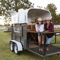 result for converted horse float bar Catering Trailer, Food Trailer, Bar Catering, Wedding Catering, Food Cart Design, Food Truck Design, Food Trucks, Converted Horse Trailer, Horse Box Conversion