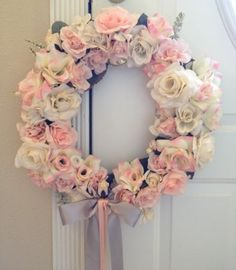 gorgeous wedding wreath!