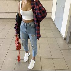 flannel fall outfits style tips how to wear your favorite shirt 14 ~ my. flannel fall outfits style tips h. Chill Outfits, Swag Outfits, Cute Casual Outfits, Summer Outfits, Tomboy Outfits, Casual Jeans, Flannel Outfits, Dinner Outfits, Autumn Outfits