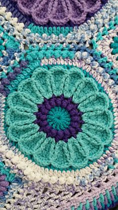 Made this for my best Sister-Friend (we might as well be related!) in her favorite colors. This lap-afghan is only 3x4 motifs (not counting fillers), which is a much smaller version than in the pat...