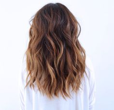 Love Hairstyles for shoulder length hair? wanna give your hair a new look? Hairstyles for shoulder length hair is a good choice for you. Here you will find some super sexy Hairstyles for shoulder length hair, Find the best one for you, Hair Styler, Hair Looks, Hair Lengths, New Hair, Short Hair Styles, Long Hair Styles 2018, Hair Styles For Medium Hair With Layers, Mid Length Hair Styles With Layers, Medium Hair Styles With Layers