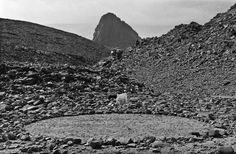 HOGGAR CIRCLE, THE SAHARA | Richard Long