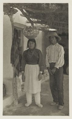 Juan Lente and his wife - Isleta – 1902