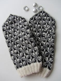 "Estonian Mittens, pattern from the book ""warme handen"", Carla Meijsen en Hilly van der Sluis"