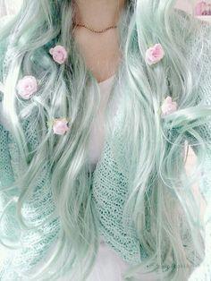 Inspiring Pastel Hair Color Ideas – My hair and beauty Pastel Blue Hair, Mint Green Hair, Mint Hair Color, Pastel Mint, Seafoam Color, Lilac Hair, Pretty Pastel, Hair Colors, Coloured Hair