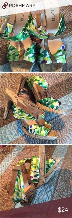 GREEN STRAPPY HEELS Worn once very comfortable Shoes Heels