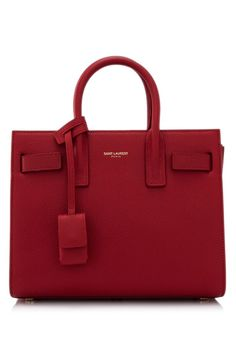 Find tips and tricks, amazing ideas for Burberry handbags. Discover and try out new things about Burberry handbags site Hermes Handbags, Fashion Handbags, Purses And Handbags, Fashion Bags, Ladies Handbags, Backpack Handbags, Red Purses, Travel Fashion, Womens Purses