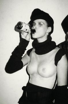 Ms Lowit snapped model Carmen Kass behind the scenes of Christian Dior's show in Paris, taking a swig from a bottle of red wine Roxanne Lowit Carmen Kass, Christy Turlington, Naomi Campbell, Kate Moss, Black Lungs, Nineties Fashion, Kenny Scharf, First Day Of School Outfit, School Outfits