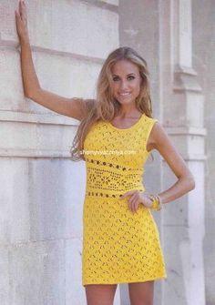 Мини-платье с ажурной планкой на талии  спицы+крючок