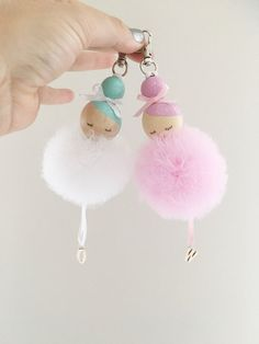S e Idee Anh nger f r die Handtasche basteln l Ballerina bag charm Sc Mode Mode S e Idee Anh nger f r die Handtasche basteln l Ballerina bag charm Sc Mode Mode Goretti Martinez ambigorsl nbsp hellip Peg Doll, Diy For Kids, Crafts For Kids, Diy And Crafts, Arts And Crafts, Pom Pom Crafts, Clothespin Dolls, Fairy Dolls, Wooden Beads
