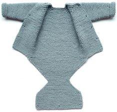 Sød og praktisk babydragt med plads til bleen. Her størrelse 0-1 måned, men den kan let gøres større. Strikket i 100 % merinould, men bomuld ville også være fint. Pinde 4. Læs mere ... Baby Boy Knitting, Knitting For Beginners, Baby Outfits, Double Knitting, Toddler Dress, Plads, Knit Patterns, Baby Hats, Bomuld