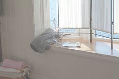 ELI ♦ BELLA blogg Desk, Furniture, Home Decor, Desktop, Decoration Home, Room Decor, Writing Desk, Home Furniture, Office Desk