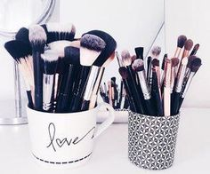 #makeupsupplies #brushes #cute #organized