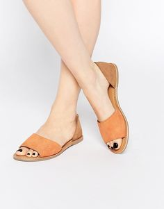 "These stylish summery sandals for <a href=""http://us.asos.com/ASOS-JOIN-ME-Leather-Summer-Shoes/18au6p/?iid=5858137&cid=4172&sh=0&pge=4&pgesize=36&sort=3&clr=Apricot&totalstyles=1241&gridsize=3&mporgp=L0FTT1MvQVNPUy1KT0lOLU1FLUxlYXRoZXItU3VtbWVyLVNob2VzL1Byb2Qv"" target=""_blank"">$35.00</a>."