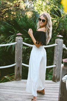 Discover recipes, home ideas, style inspiration and other ideas to try. Spring Summer Fashion, Spring Outfits, Beach Outfits, Summer Chic, Spring Style, Cara Loren, Island Wear, Boho Fashion, Fashion Outfits