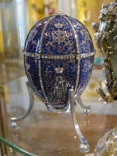 Fabergé. Twelve Monograms Imperial Egg, 1896. Workmaster Mikhail Perkhin. Tsar Nicholas II presented the egg to his mother, Empress Marie Feodorovna.