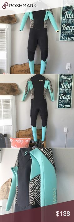 Billabong Synergy Fall/Winter Women's Surf Wetsuit Billabong Synergy Fall/Winter Women's Surf Wetsuit. Worn 3 times. Like new. Near perfect condition. 4:3 thickness - size 4. If you have smaller arms, this will be perfect for you. Front zip enclosure. 2016 season. Billabong Swim One Pieces