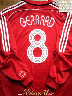 Relive Steven Gerrard's 2006/2007 Champions League season with this vintage Adidas Liverpool home long sleeve football shirt.