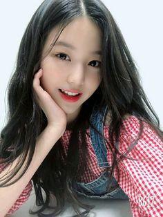 Sexy kpop on We Heart It Kpop Girl Groups, Kpop Girls, Asian Woman, Asian Girl, Chica Cool, Japanese Girl Group, Cute Korean Girl, Only Girl, Ulzzang Girl