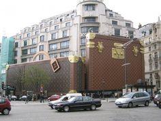 Louis Vuitton Shop in Paris