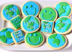 Earth Day Cookies - Earth Day Cookies…I especially love those great big smile. - Earth Day Cookies – Earth Day Cookies…I especially love those great big smiley faces! Cupcake Cookies, Sugar Cookies, Cupcakes, Earth Day Crafts, Earth Day Activities, Arbour Day, Happy Earth, Cookie Designs, Cookie Ideas