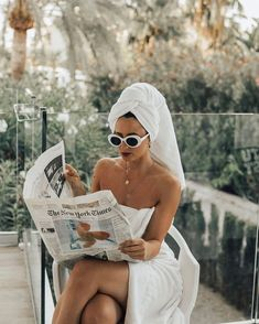 Taste of violet / Girl in robe, robe life, vacation outfit, white sunglasses, retro white sunglasses Classy Aesthetic, White Aesthetic, Aesthetic Vintage, Aesthetic Photo, White Sunglasses, Retro Sunglasses, Creative Photography, Portrait Photography, Fashion Photography