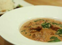 معا إلى المطبخ الهندي لنتعرف على أشهر طرق طبخ الدجاج... الدجاج الهندي بصلصة الزبدة