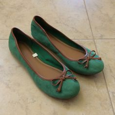 Merona green fabric flats Comfortable and cute! Green suede-like fabric and faux leather trim and bow. Fabric soles. Thin material, but sturdy and soft. Only worn trice, great condition! Merona Shoes Flats & Loafers