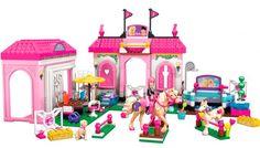 Barbie Establo de caballos;  Barbie® cuidadora de caballos merece tener el mejor establo y tú puedes construirlo con un área de cepillado para ponys, una azotea brillante, caballerizas con hermosas flores alrededor de la base. Ella puede cepillar a su caballo utilizando un cepillo, o sentarse sobre la silla de montar y practicar los saltos.... En   http://www.opirata.com/barbie-establo-caballos-p-28519.html