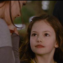 Bella Cullen, The Cullen, Edward Cullen, Twilight Saga Series, Twilight Movie, Frozen Comics, Aquarium Pictures, Twilight Renesmee, Just Add Magic