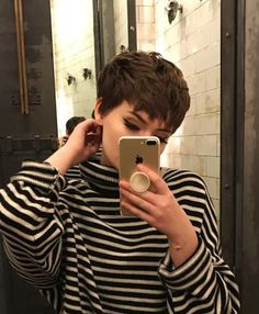 You are in the right place about tomboy fashion formal Here we offer you the most beautif Pixie Hairstyles, Pixie Haircut, Cool Hairstyles, Edgy Short Haircuts, Short Hair Cuts, Cut My Hair, New Hair, Hair Inspo, Hair Inspiration