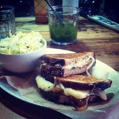 "@mollitallica's photo: ""Grilled cheese, please #food #queenskickshaw"""
