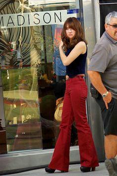 Britt Robertson filming girlboss in Beverly Hills (06/20/2016)