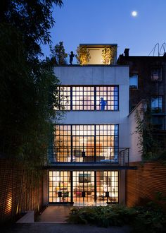 facade (Townhouse, New York City, Steven Harris Architects) Architecture Unique, Residential Architecture, Interior Architecture, Windows Architecture, Installation Architecture, Building Architecture, Design Exterior, Interior And Exterior, Warehouse Living